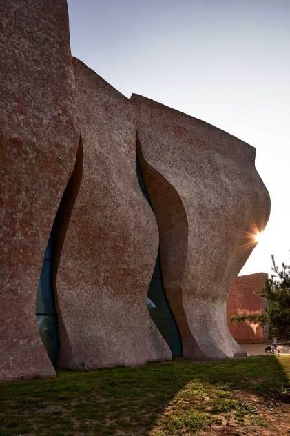 Yu Qingcheng University Gallery in Tianjin, China by Zhanghua Architects | Yellowtrace