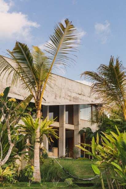 Concrete House in Bali by Patishandika | Yellowtrace