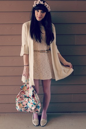 Salmon Floral Target Bags Cream Lace HM Dresses Cream Thrifted Sweaters  happiest Easter