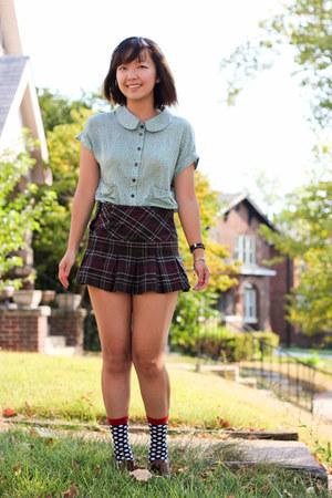 Girl Kneesocks Wallpaper Brick Red Skirts Black Socks Lime Green Ezra Tops Dark