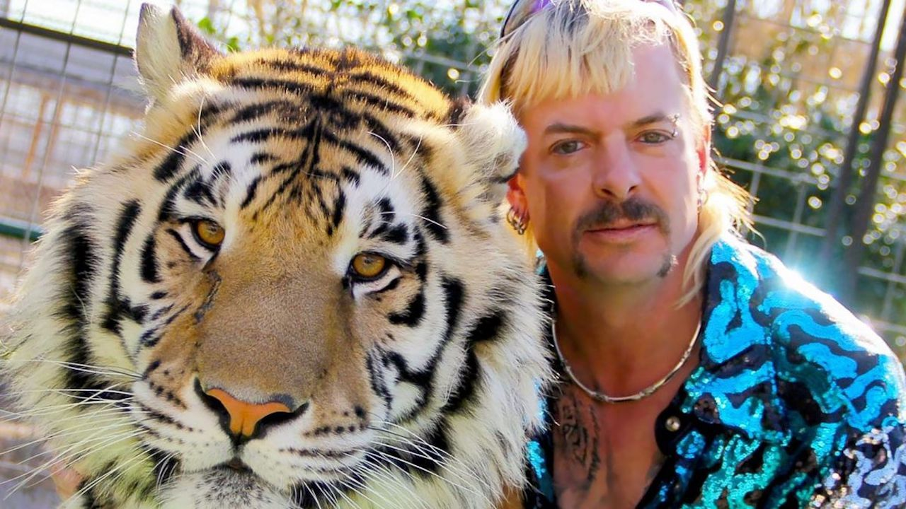 Tiger King S Joe Exotic Apparently Wants Brad Pitt Or