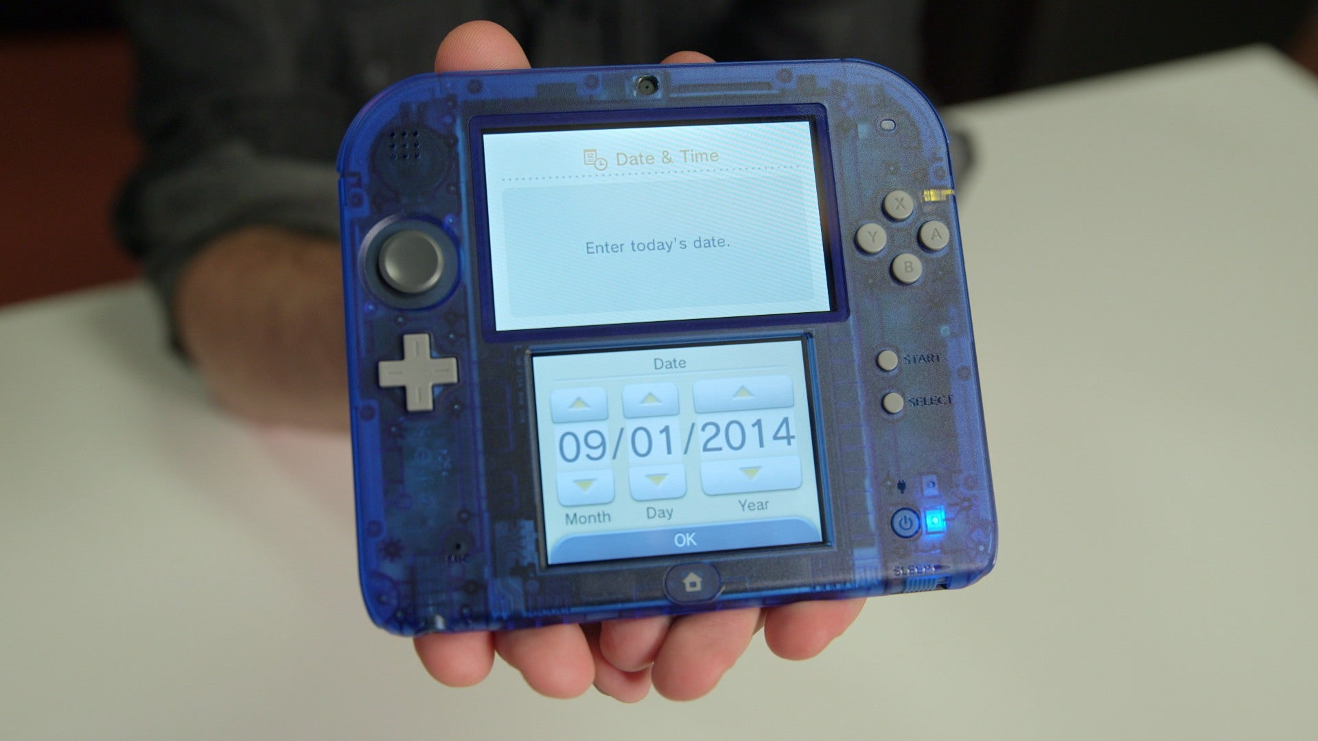 Crystal Blue Nintendo 2DS Unboxing IGN Video