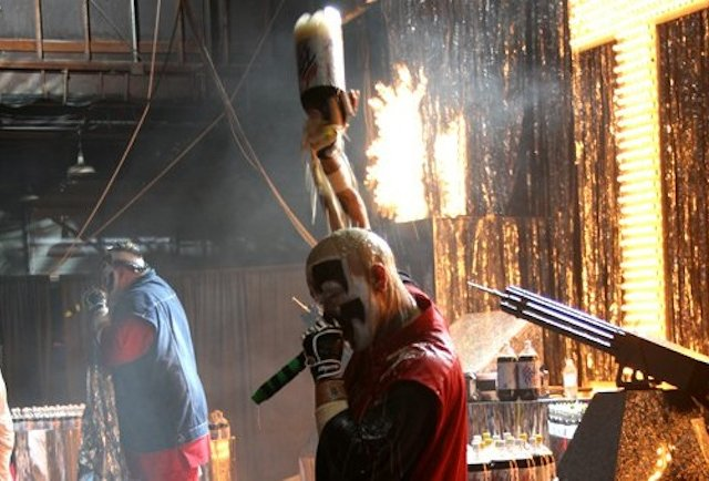 faygo shower shaggy 2 dope and violent j