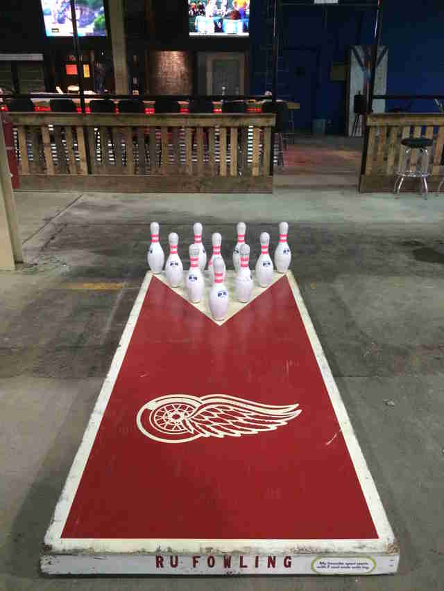 Detroit Fowling Warehouse  Football and Bowling  Thrillist