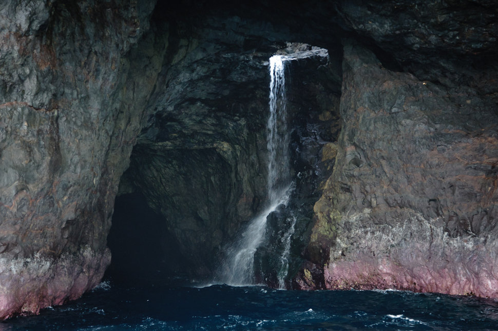 Fall Harry Potter Wallpaper Best Sea Caves In The World Fingal S Cave Blue Grotto