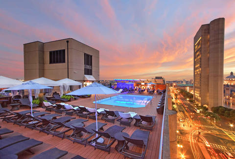 Best Rooftop Bars in Boston Places to Drink With a View