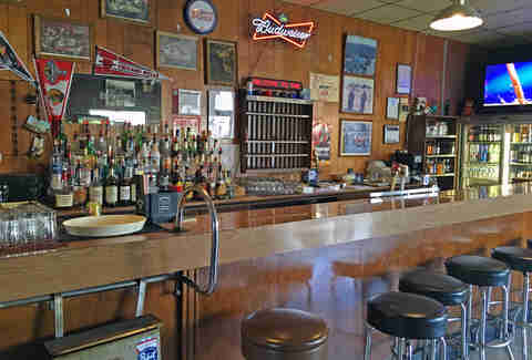 The 10 Oldest Bars in Illinois Outside of Chicago  Thrillist