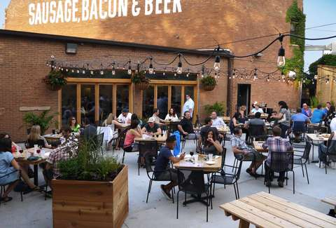 Chicagos Best Outdoor Restaurants Rooftop Bars And