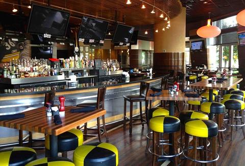 Jerome Bettis Grille 36 Bar