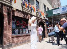 Best Gay, Lesbian and LGBTQ Bars in New York City - Thrillist