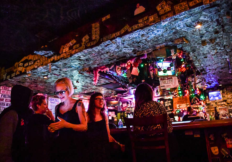 best dive bars in