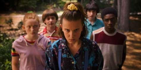 Millie Bobby Brown & the gang in het nieuwe Stranger Things S3 op Netflix België