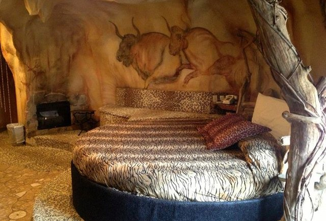 Themed Hotel Rooms  Weirdest Themed Fantasy Suites in NJ Feather Nest Inn  Thrillist
