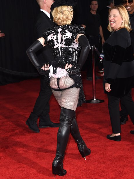Madonna Bum Flash Grammy Awards 2015