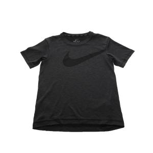 NIKE - Αγορίστικη κοντομάνικη μπλούζα Nike BRTHE TOP SS HYPER GFX μαύρη