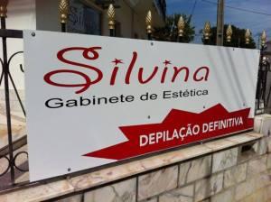 Sinalética: Placa Informativa de uma empresa