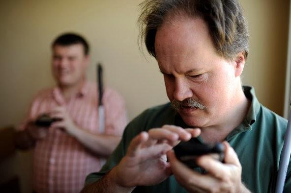 blinduserusingsmartphone.jpg