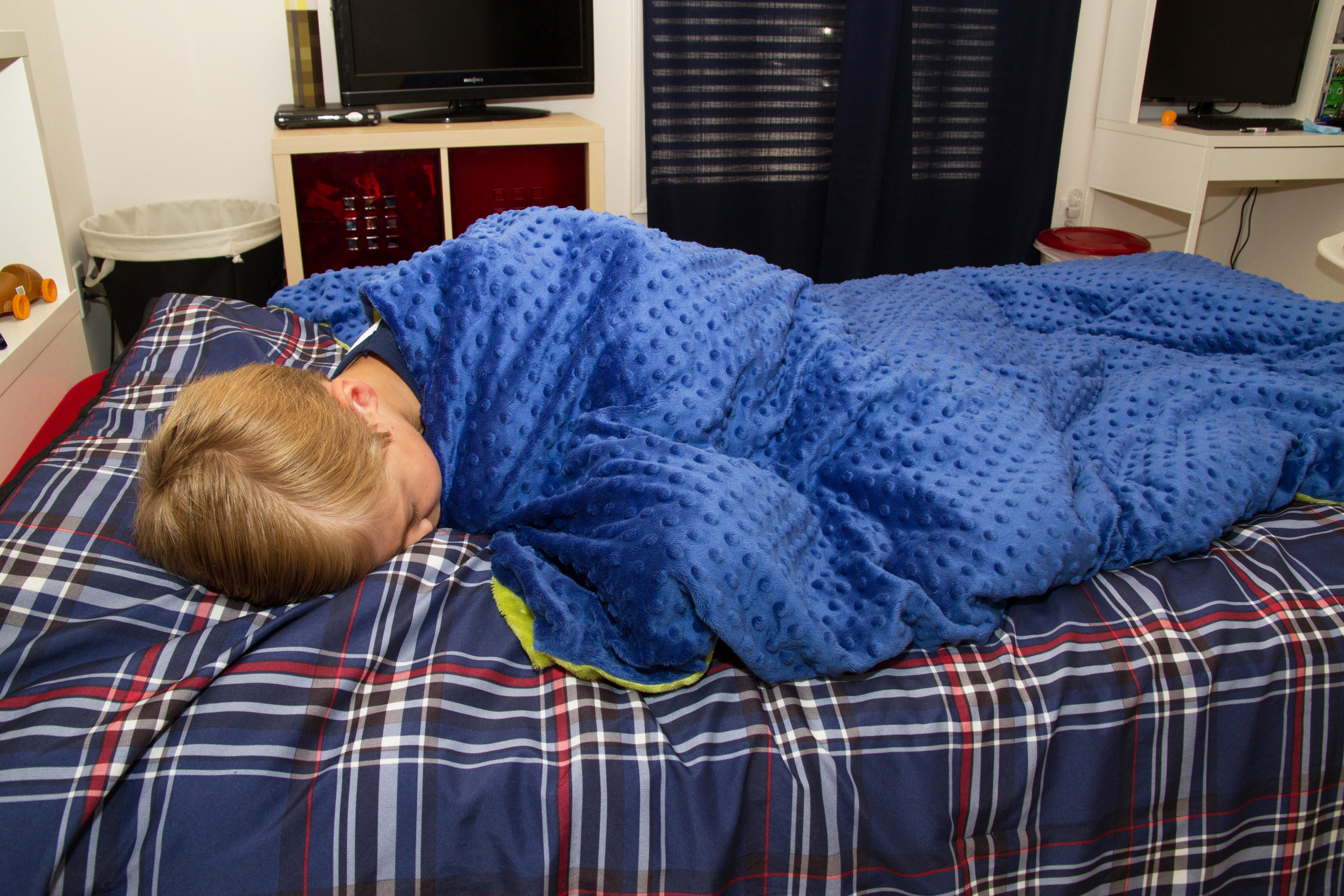 boy_bed_sleeping2_2