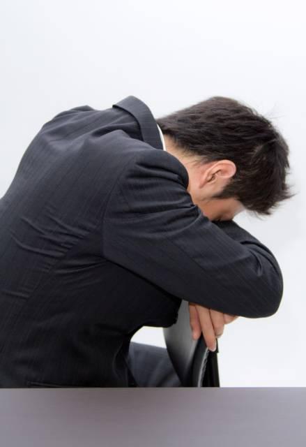 50代で失業したサラリーマンは契約解除通知を受けた
