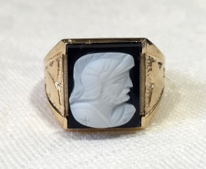 G 2351 Vintage Cameo Mens Roman Soldier Banded Agate Ring