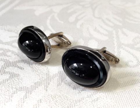 # 258 Silver & Onyx Cuff Links