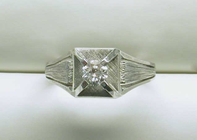 gd-2009 Mens solitaire diamond in 14K white gold