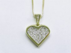 p-131 Princess cut diamond heart pendant, 18K yellow gold