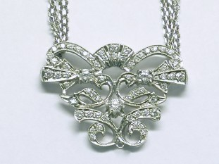 p-274 Diamond necklace with a vintage style, 14K white gold