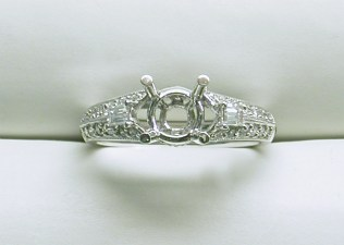 sb-2997 Engagement Ring with tapered baguettes, in platinum
