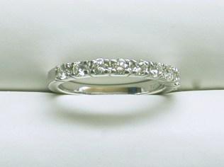 wb-1561 Wedding band with 9 diamonds, 18K white gold