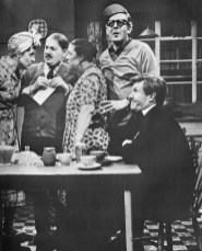 Peggy Mount and David Kossoff in The Larkins