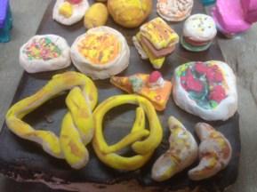Boulangerie (argile, feutre)