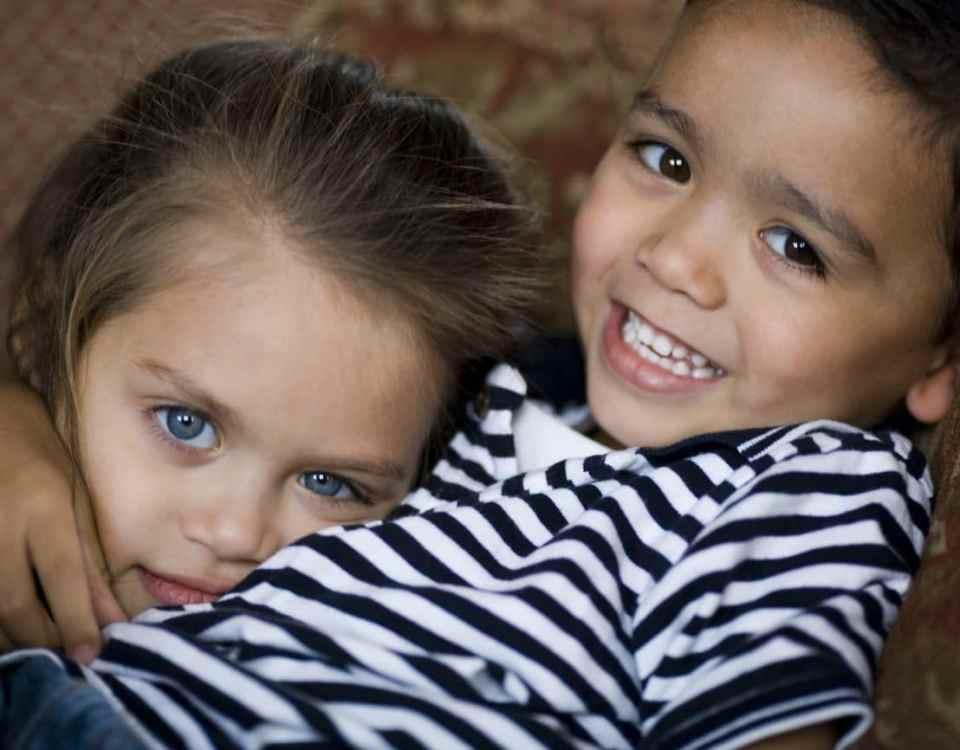 La relation avec son enfant atteint d'eczéma et ses frères et sœurs