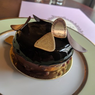 Fleur noir (layers of chocolate mousse and biscuit)