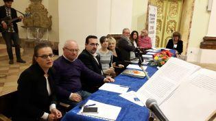 Da sinistra: Martina Coppari (Ass. Cultura di Cingoli), Elvio Angeletti (Segretario), Lorenzo Spurio (Presidente Ass. Euterpe), Gioia Casale (ideatrice del concorso), Alessandra Montali (Presidente del Concorso), Franco Duranti, Sara Francucci, Vincenzo Prediletto