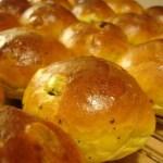 Saffransbullar med russin och mandel