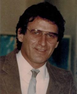 Hubert Perron, ancien directeur des bibliothèques de l'UQÀM, décédé en 1989 et qui a voué sa vie au développpement des biblliothèques québécoises
