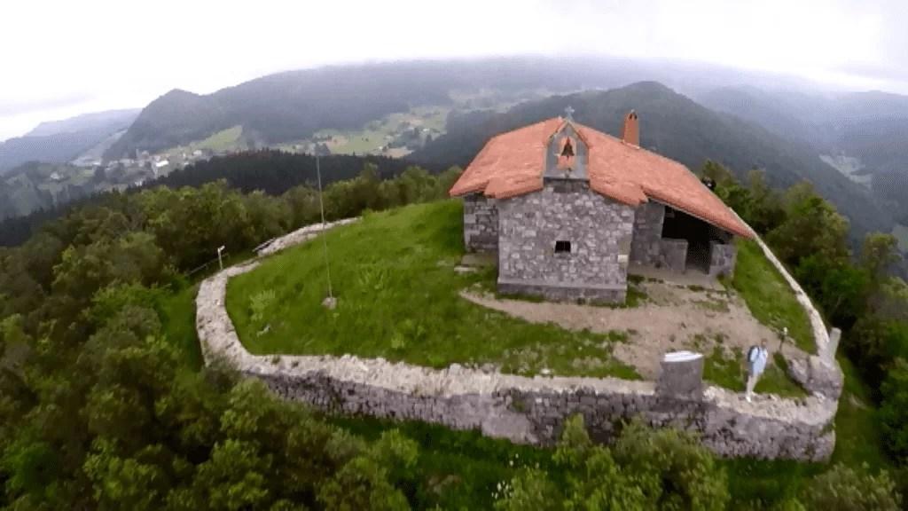 Cuevas de Santimamiñe - Las casas rurales de Ea Astei, parque natural de Urdaibai, País Vasco