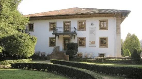Euskal Herria Museoa - Las casas rurales de Ea Astei, parque natural de Urdaibai, País Vasco
