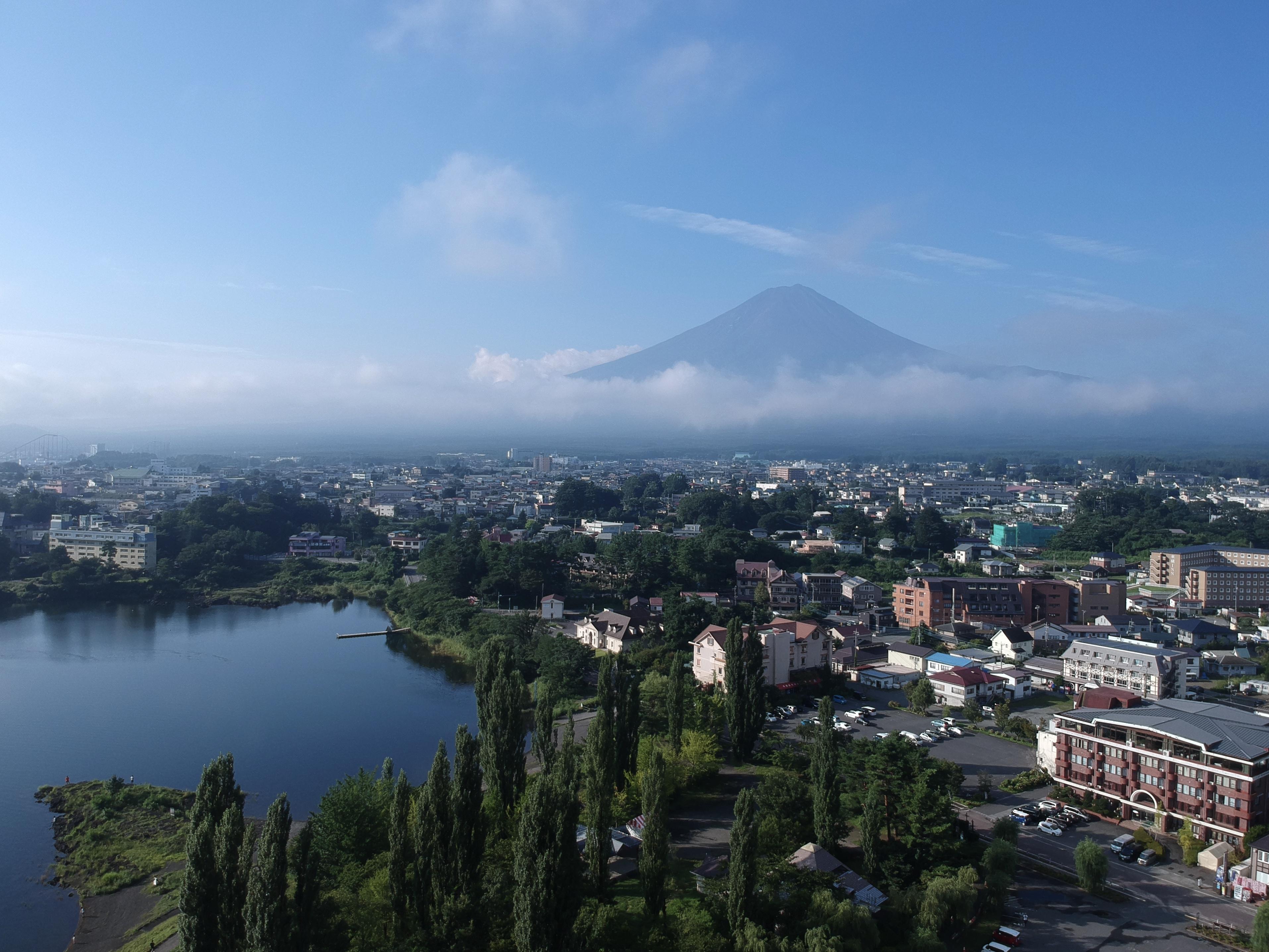 富士山と河口湖の写真を追加しました