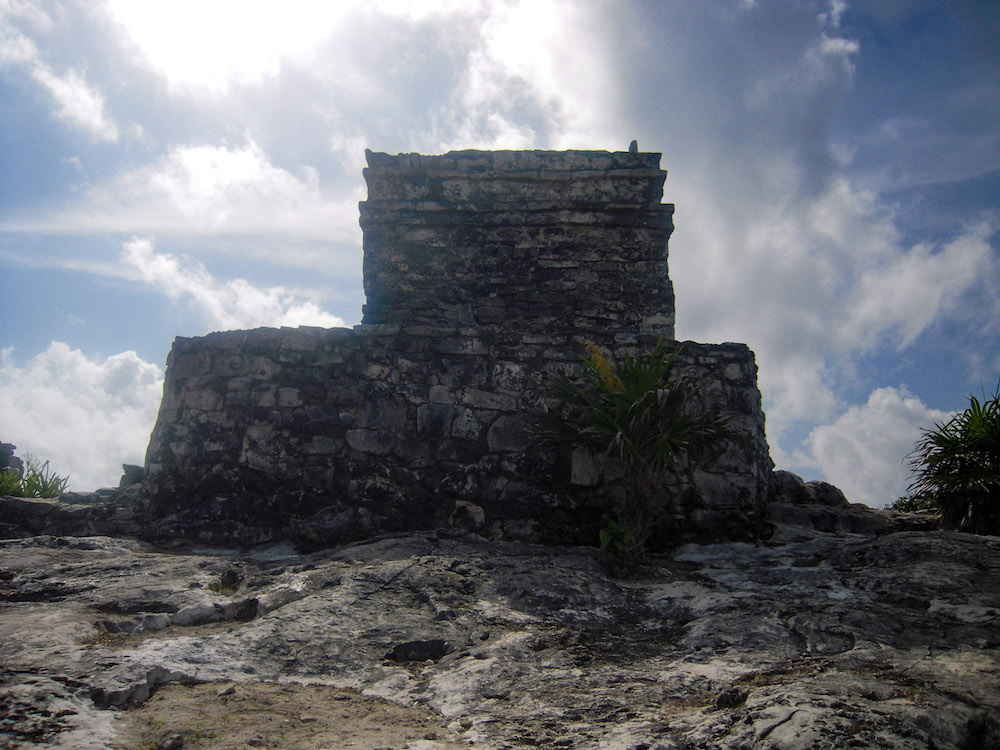 Exploring the ruins of Tulum through photos – an ancient Mayan port city