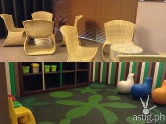 trinoma family lounge playground