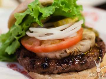 Hawaiian hamburger at Teddy's Bigger Burgers Philippines