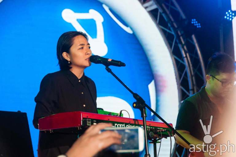 Armi Millare drives the crowd wild at the Globe Slipstream concert