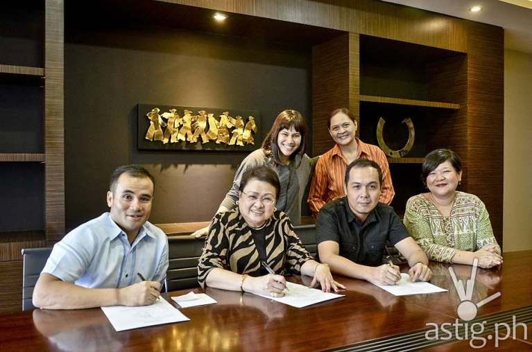 Teatrino Film Series Contract Signing