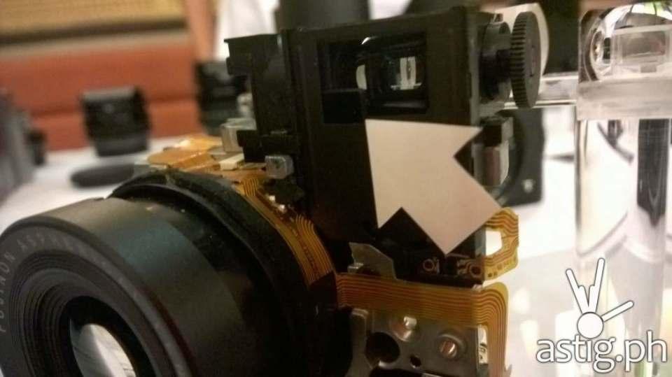 What's inside the Fujifilm X30 digital camera? Take a look!