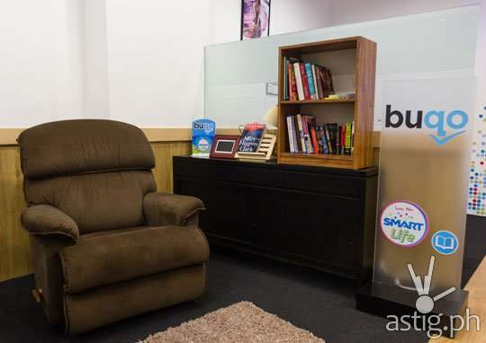 Smart Life stores are themed according to function, such as this reading hub which looks like a mini-library (photo: spot.ph)