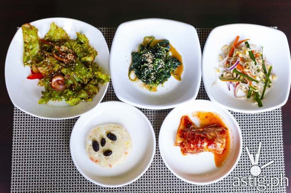 Kimchi and other appetizers at Leann's Tea House