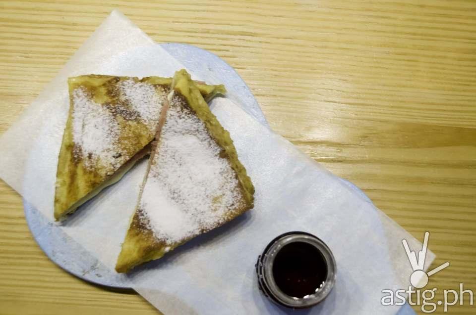Monte Cristo Sandwich (PHP 250) at Uke Box Caffe