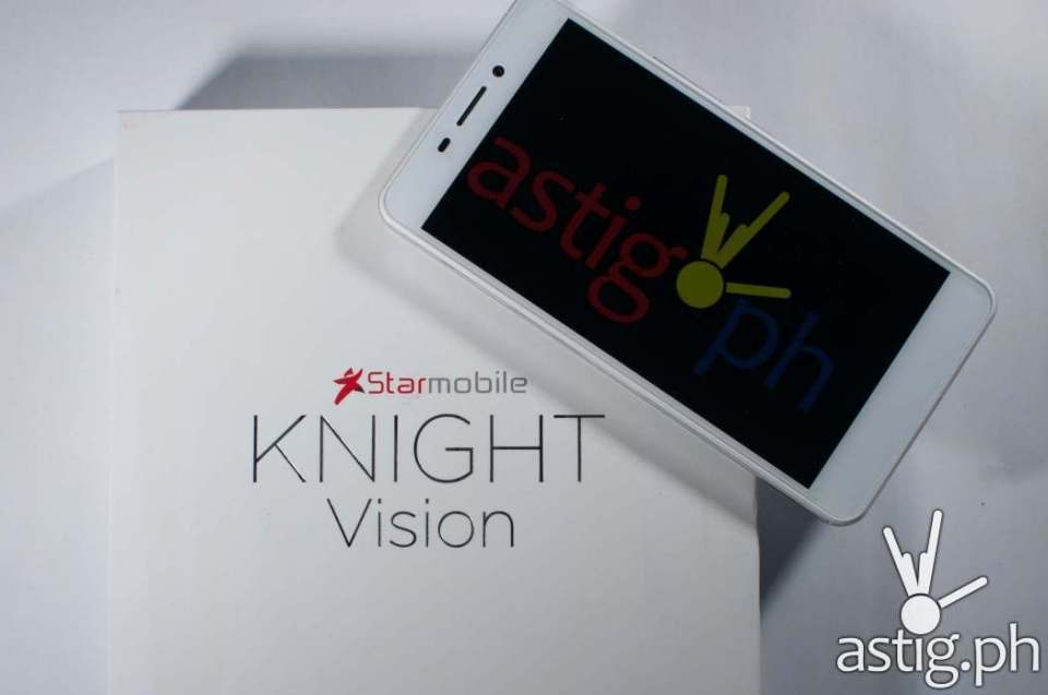 Starmobile Knight Vision with ISDB-T digital telelvision